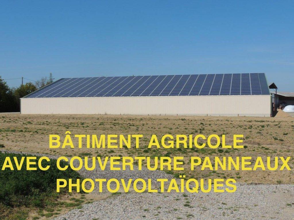 durandet_batiment-agricole-avec-couverture-panneaux-photovoltaiques (1)